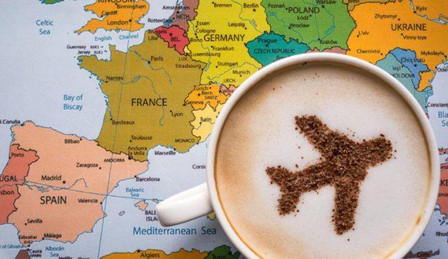 Mapa de Europa con taza de café