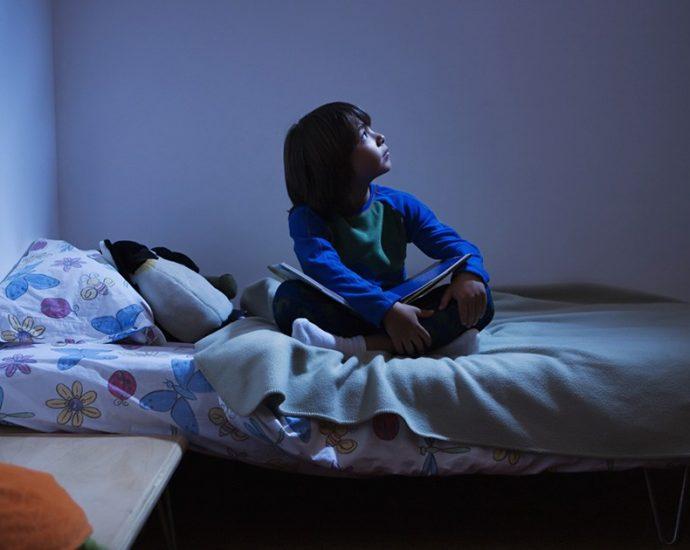 enseñando a los pequeños a dormir solos