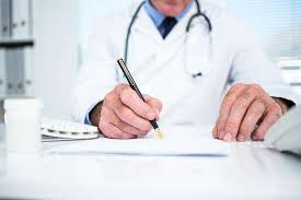 Medico expide recetas médicas