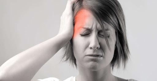 migraña y la cabeza