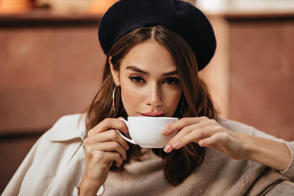 mujer-cómo-probar-café